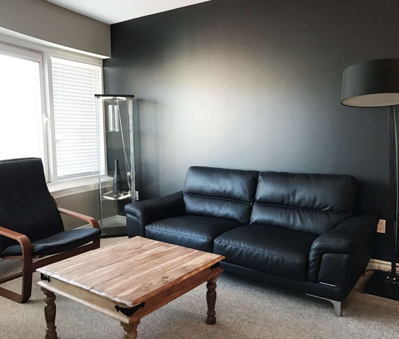 Corporate-Stays-living-room
