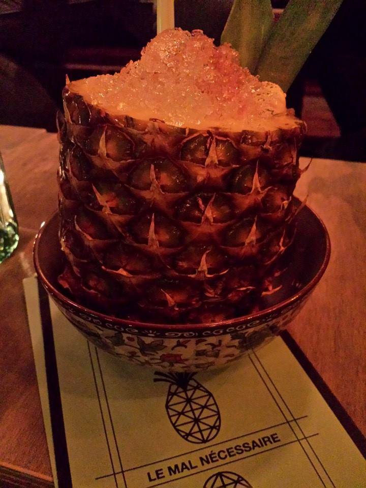Ananas rempli de rhum - 22$