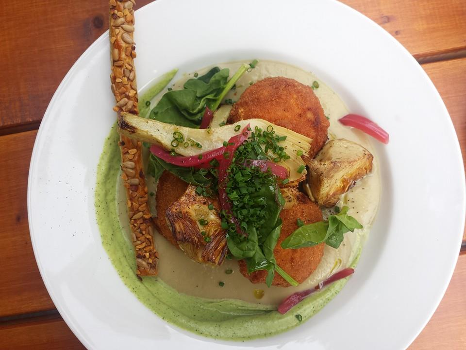 Croquettes de saumon et crème de chèvre aux artichauts