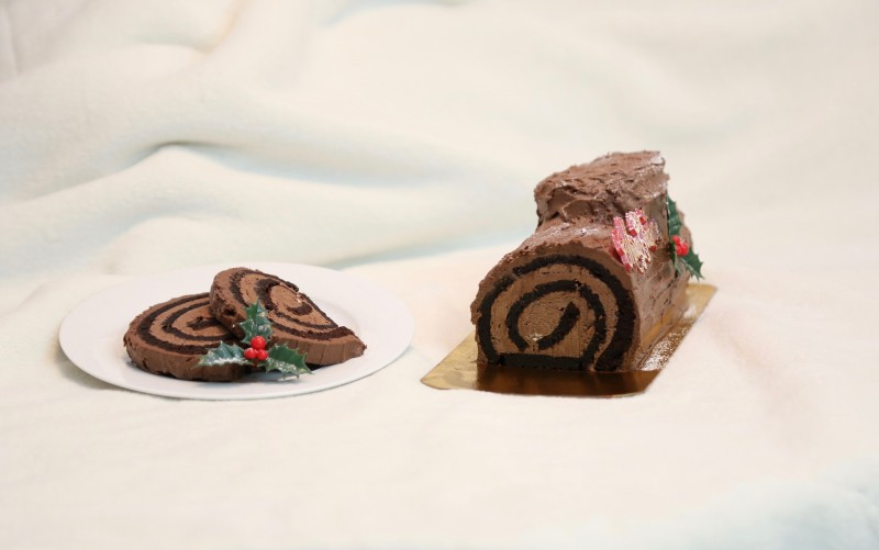 Allergy-free Montreal Bakery Petit Lapin Vegan Yule Log