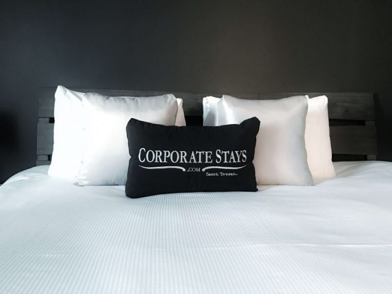 Corporate Stays bed Ottawa 50 Laurier East